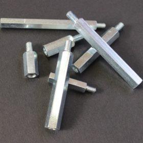 Entretoisses métalliques électrozinguée