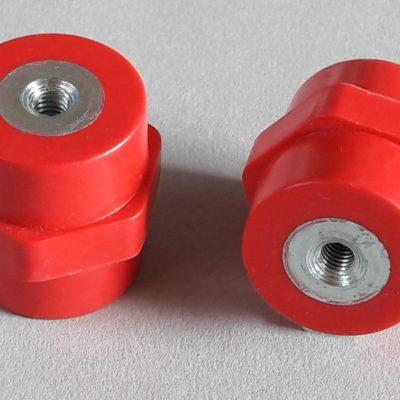 Isolateurs basse et moyenne tension M6 hauteur 35mm