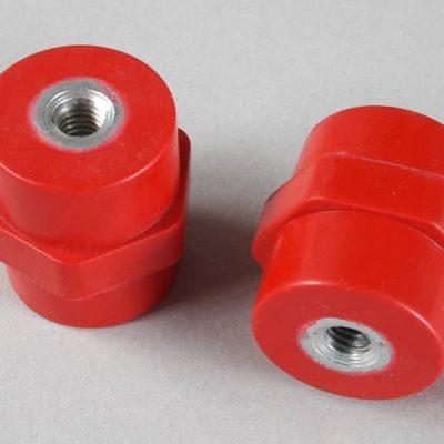 Isolateurs basse et moyenne tension M8 hauteur 35mm